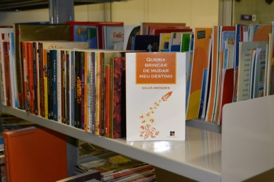 Voluntário do GACC-BA doa exemplares da sua biografia