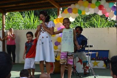 Mês das Crianças: Cabriola Cia de Teatro se apresenta para os pacientes