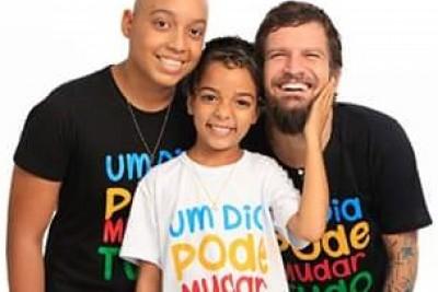 Saulo apoia a causa do câncer infantil e juvenil