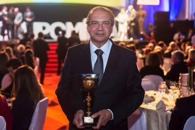 Presidente do GACC-BA conquista troféu como mais influente na área de saúde
