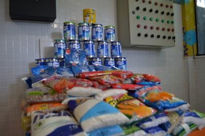 Bloco Algodão Doce: Doações de alimentos ao GACC-BA