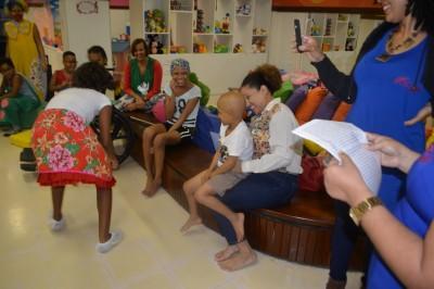 Pacientes se divertem com alunos do CECA